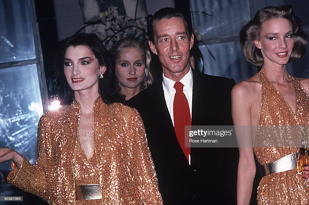 Halston And Models : News Photo