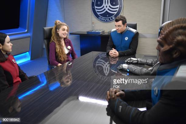 Halston Sage guest star Giorgia Whigham Seth MacFarlane Mark Jackson and Peter Macon in the Majority Rule episode of THE ORVILLE airing Thursday Oct...