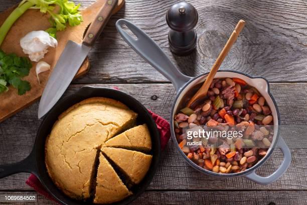 ハムと豆のスープ - アメリカ南部 ストックフォトと画像
