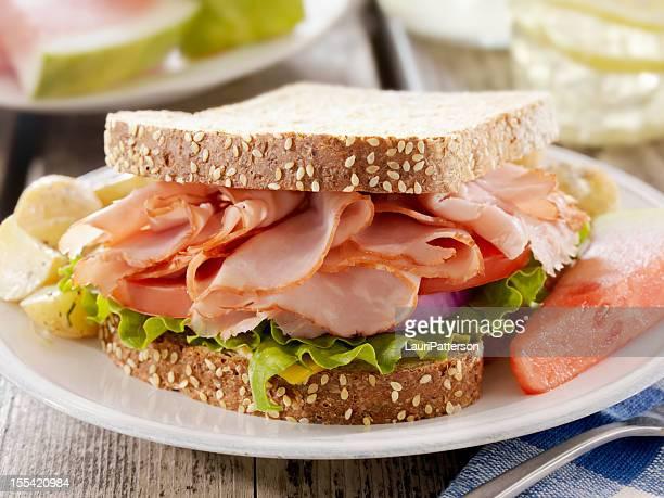 Schinken und Käse-Sandwich auf ein Picknick