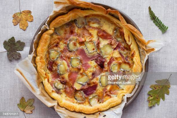 Ham pie with honey and goats cheese