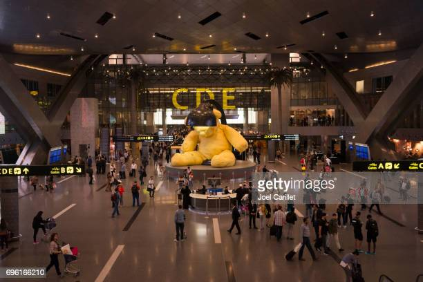 hamad international airport in doha, qatar - doha stock pictures, royalty-free photos & images