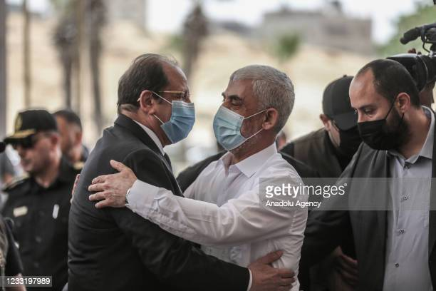Hamas' Gaza chief Yahya Sinwar welcomes Head of the Egyptian Intelligence Service Abbas Kamil upon Kamil's arrival to make the ceasefire permanent...