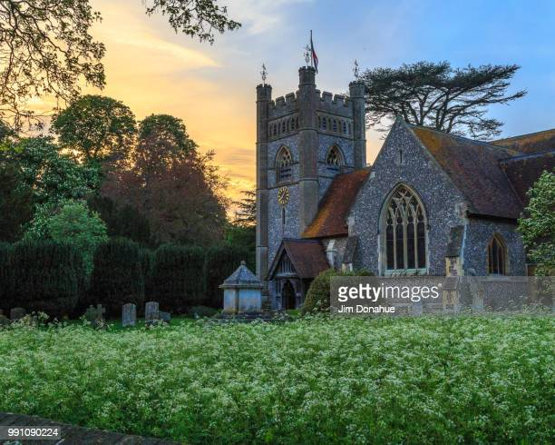 hambleden church summer evening - jim donahue stock pictures, royalty-free photos & images