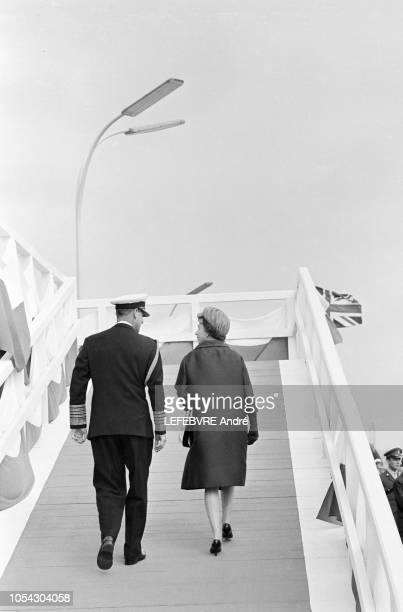 Hambourg Allemagne 28 mai 1965 Visite d'état de onze jours de la Reine ELIZABETH II D'ANGLETERRE en Allemagne Fédérale Hambourg le 28 mai 1965 Ici...