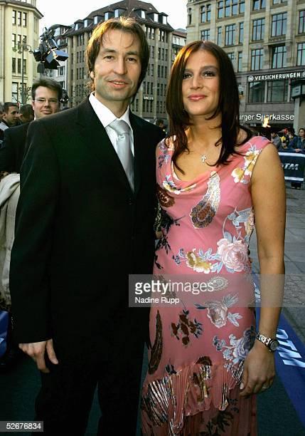 DTM 2005 Hamburg 040405 Senatsempfang HeinzHarald FRENTZEN/Opel mit Frau Tanja