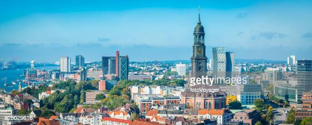 Aerial Panorama Hamburg St. Pauli Elbe Stadtbild Skyline Deutschland