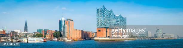 Hamburg-blauen Himmel über Elbphilharmonie HafenCity Strandkai Waterfront Panorama Deutschland
