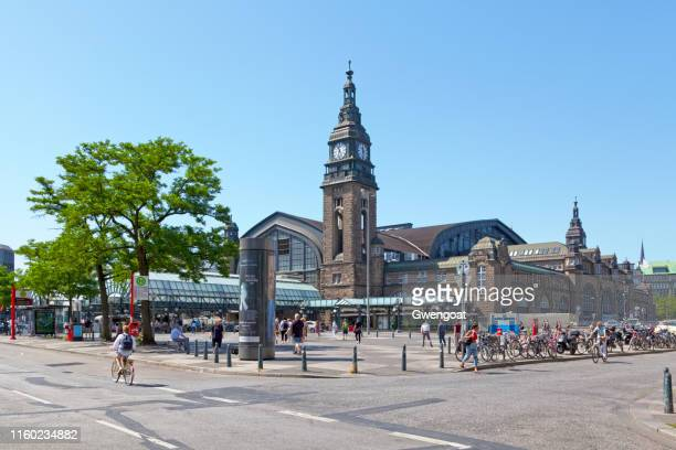 hamburg central station - gwengoat stock pictures, royalty-free photos & images