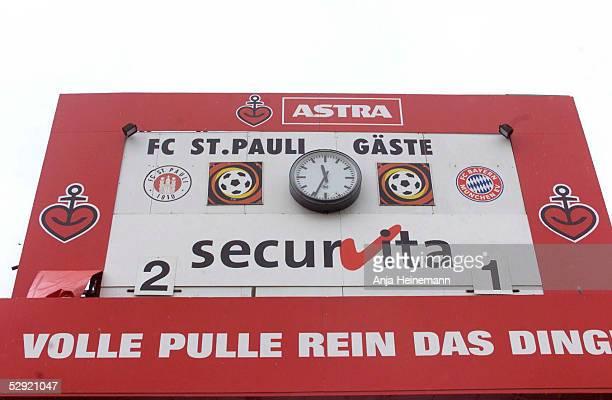 Hamburg; FC ST. PAULI - FC BAYERN MUENCHEN 2:1; Anzeigetafel am Morgen nach dem Spiel.