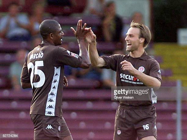 TESTSPIEL 2002 Hamburg FC StPAULI NAC BREDA TOR JUBEL MARCAO und Oliver HELD/St Pauli
