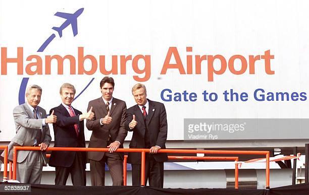 Hamburg FEUER und FLAMME Hamburg Airport Stuetzpunkt Werner HAUSCHILD Dr Horst MEYER Hamburg fuer Spiele Geschaeftsfuehrer Michael STICH Ole VON BEUST