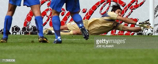 Italian goalkeeper Gianluigi Buffon dives for a save during the World Cup 2006 group E football game Czech Republic vs Italy 22 June 2006 at Hamburg...