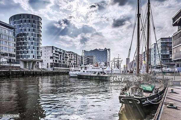 hamburg hafencity hdr - elbphilharmonie stock pictures, royalty-free photos & images