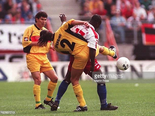 BUNDESLIGA 98/99 Hamburg HAMBURGER SV VFB STUTTGART Krassimir BALAKOV Martin SPANRING/Stuttgart Anthony YEBOAH/HSV