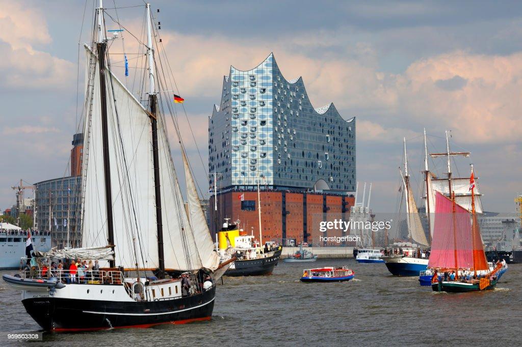 Hamburg Hafen Birthday Parade (Hafengeburtstag) 2017, Deutschland : Stock-Foto