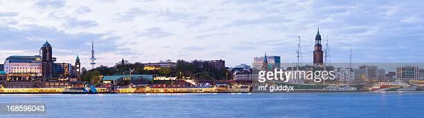 Hamburger Hafen, die Elbe