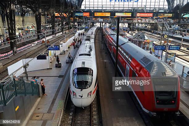 stazione centrale di amburgo, hauptbahnhof - pejft foto e immagini stock