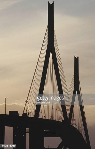 Köhlbrandbrücke im Abendlicht Undatiertes Foto