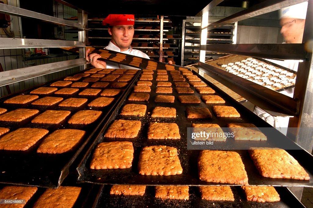 Küchenstudios Hamburg hamburg braune kuchen beim keksbäcker pictures getty images