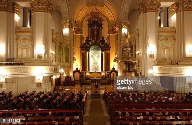 Redereihe zu Kant in der Kirche St Michaelis