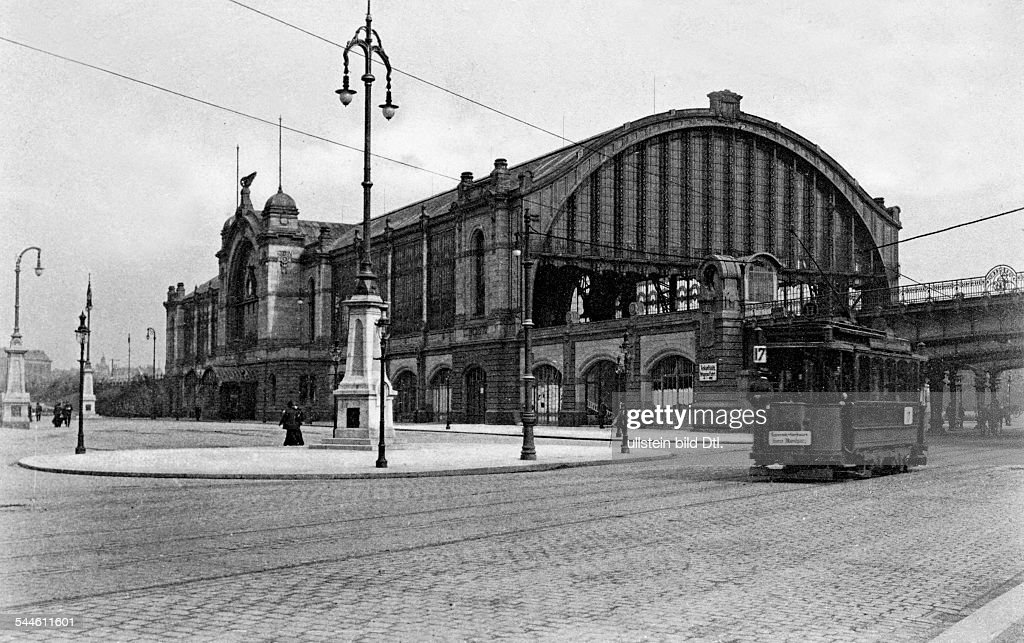 Floating Rotherbaum hamburg bahnhof dammtor 1906 pictures getty images