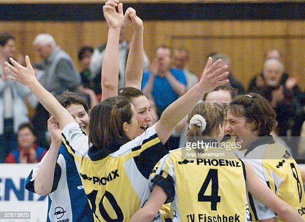 2 BUNDESLIGA 00/01 Hamburg TV FISCHBEK TV EICHE HORN BREMEN 30 SCHLUSSJUBEL MIT Sabine VERWILTJUNGCLAUS Simone KOLLMANN Katrin PETZOLD Marina...