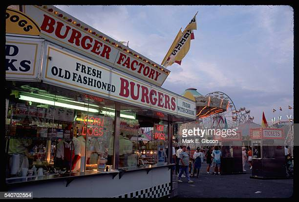 hamburger stand at maryland state fair - maryland us state stock pictures, royalty-free photos & images