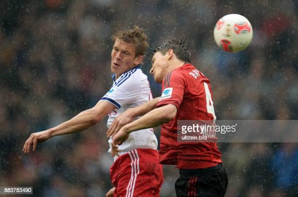FUSSBALL 1 BUNDESLIGA SAISON Hamburger SV Bayer 04 Leverkusen Artjoms Rudnevs gegen Philipp Wollscheid