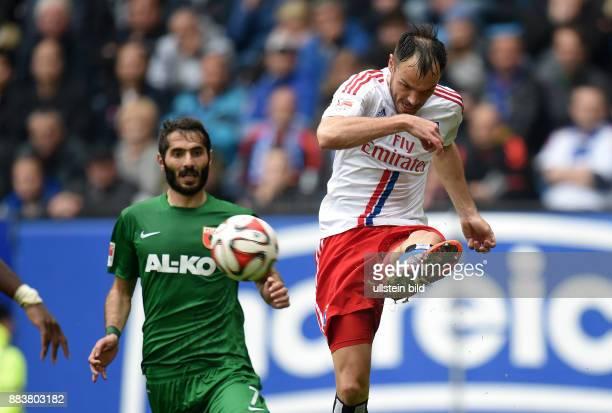 FUSSBALL 1 BUNDESLIGA SAISON Hamburger SV FC Augsburg Halil Altintop gegen Heiko Westermann