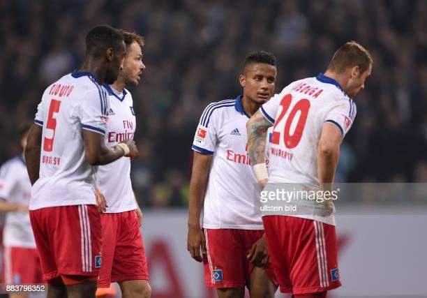 FUSSBALL BUNDESLIGA Hamburger SV Greuther Fuerth Johan Djourou Heiko Westermann Michael Mancienne und PierreMichel Lasogga sind enttaeuscht