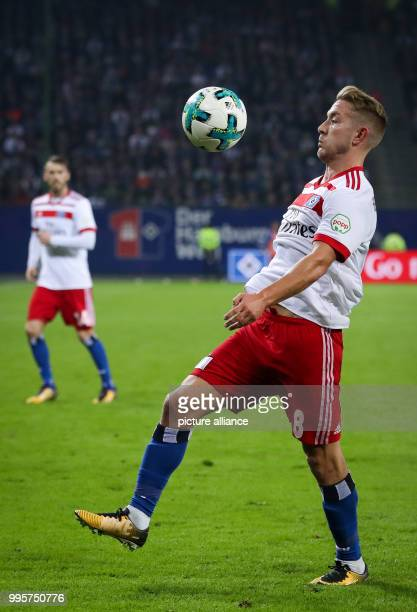 Hamburg's Lewis Holtby in action during the German Bundesliga football match between Hamburg SV and Werder Bremen at the Volksparkstadion in Hamburg...