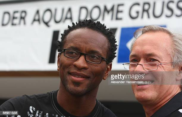 Hamburg's new player Ze Roberto talks to team manager Bernd Wehmeyer signs as he arrives at the team squad 'Aqua Dom' at day four of the Hamburger SV...