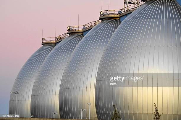 hamburg's sewage treatment plant in port - águas residuais imagens e fotografias de stock