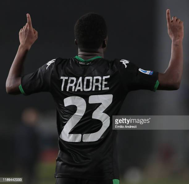 Hamed Junior Traore of US Sassuolo celebrates after scoring the opening goal during the Serie A match between Brescia Calcio and US Sassuolo at...