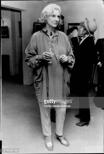 Hamer Mathew Galleries in Woollahra Viscountess Bolinsbroke July 07 1982