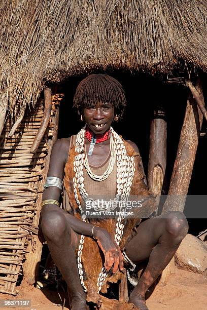 hamer woman  - ethiopia stock pictures, royalty-free photos & images