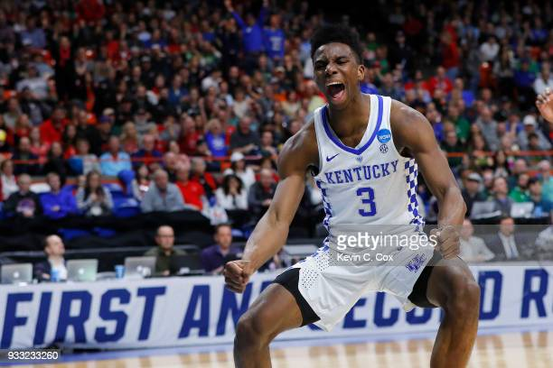 Hamidou Diallo of the Kentucky Wildcats celebrates after dunking against the Buffalo Bulls during the second half in the second round of the 2018...