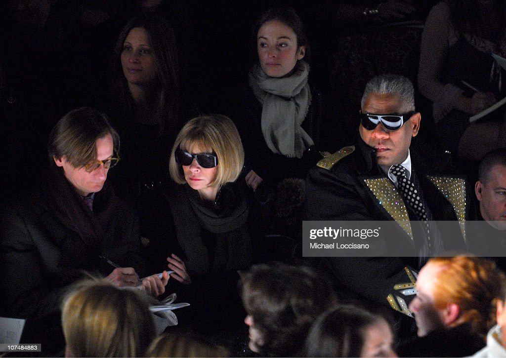 Mercedes-Benz Fashion Week Fall 2007 - Carolina Herrera - Front Row and Backstage : News Photo