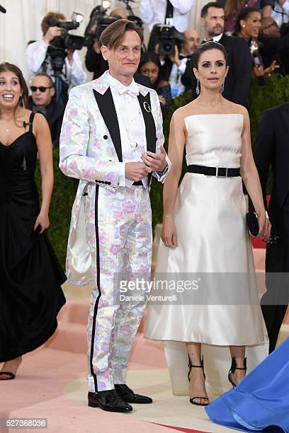 Hamish Bowles attends the 'Manus x Machina Fashion In An Age Of Technology' Costume Institute Gala at Metropolitan Museum of Art on May 2 2016 in New...