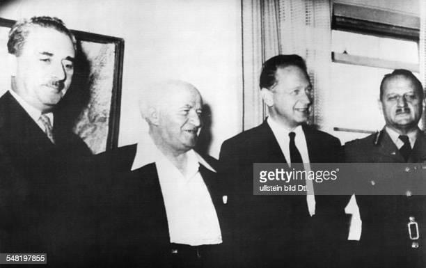 Hammarskjoeld, Dag *-+ Diplomat, Politiker, Schweden UN-Generalsekretaer 1953-1961 Friedensnobelpreis 1961 - v.l.n.r.: Moshe Sharett , David Ben...