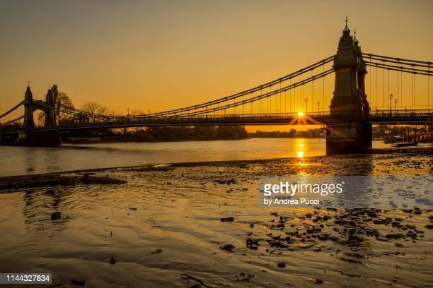 hammersmith bridge, london, united kingdom - fulham stock pictures, royalty-free photos & images