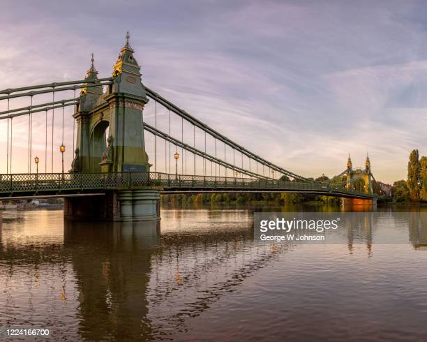 hammersmith bridge v - fulham stock pictures, royalty-free photos & images