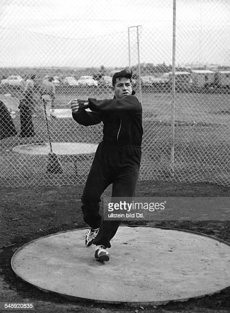 Hammerwerfer USA beim Training während der olympischenSpiele in Melbourne November 1956