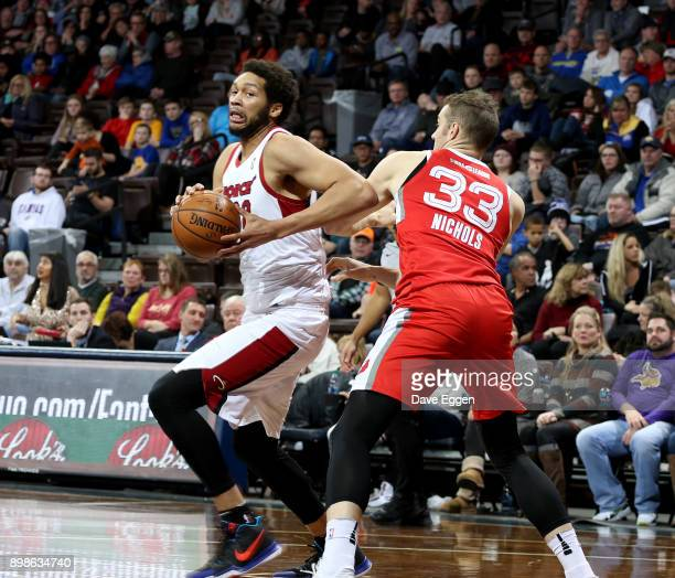 J Hammons of the Sioux Falls Skyforce makes a move to the basket against Austin Nichols of the Memphis Hustle during an NBA GLeague game on December...