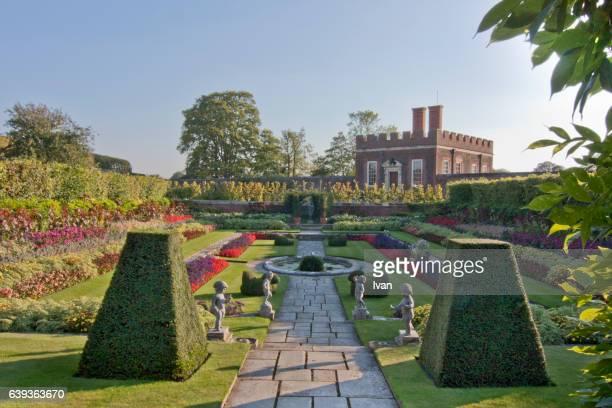 hampton court palace and gardens, england, london,uk - hampton court stock pictures, royalty-free photos & images