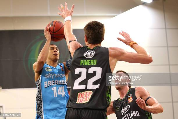 Hampton of the Breakers shoots during the round 14 NBL match between the South East Melbourne Phoenix and the New Zealand Breakers at the State...