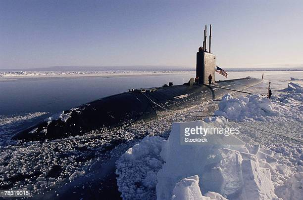 uss hampton submarine at north pole - submarine stock pictures, royalty-free photos & images