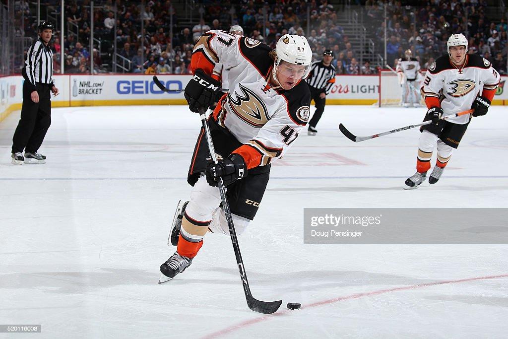 Anaheim Ducks v Colorado Avalanche : News Photo