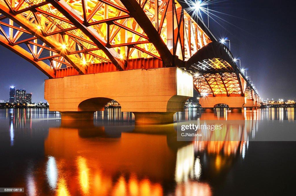 Rio Han Seongsan Ponte à noite em Seul : Foto de stock
